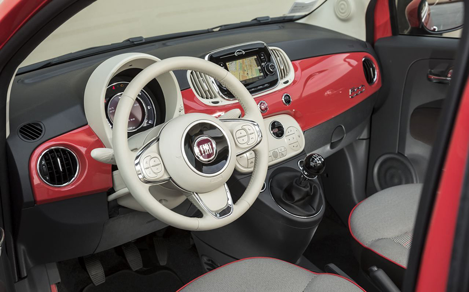 Fiat 500 l interieur 28 images essai fiat 500 l 1 6 for Fiat 500 interieur